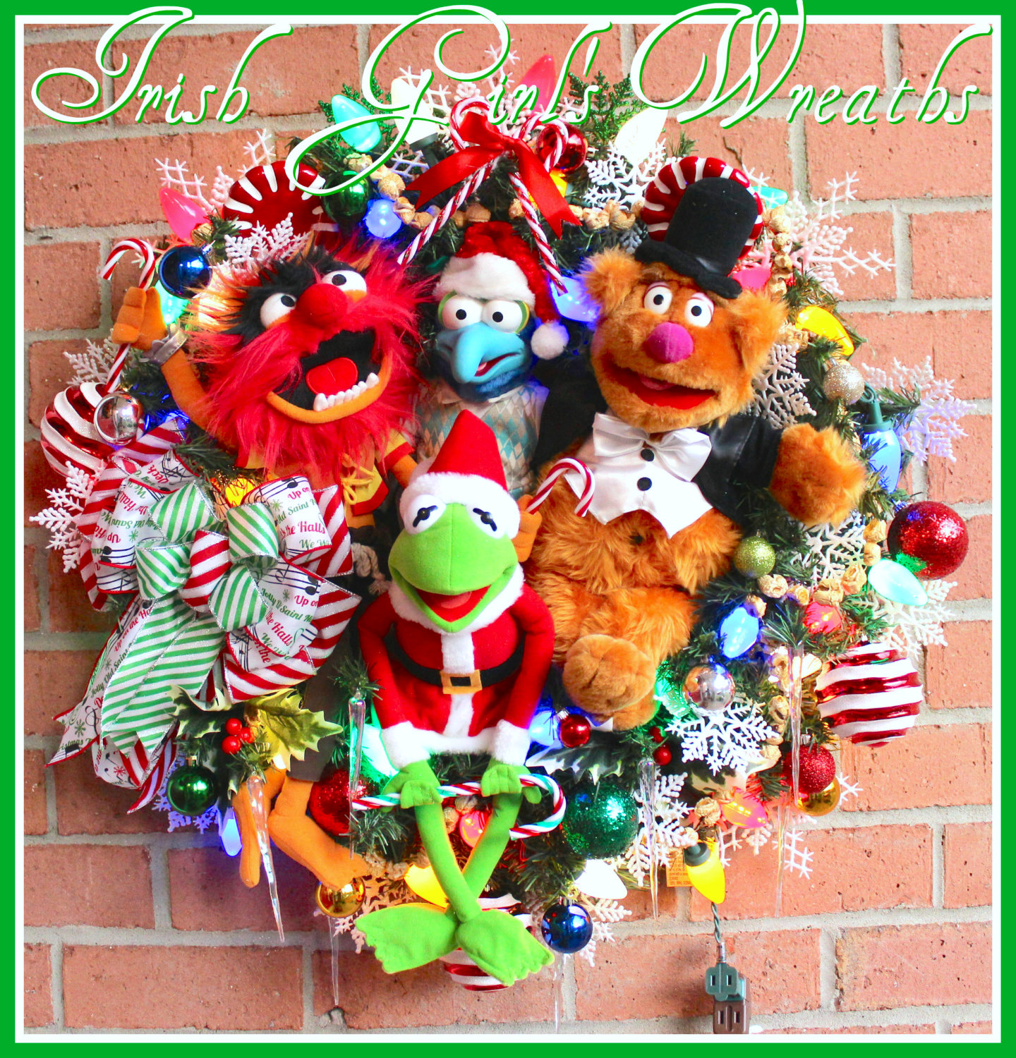 Magnificent Muppets Merry Christmas Wreath, Ceramic Color LED lights, Fozzie Bear, Kermit the Frog, Animal, Gonzo
