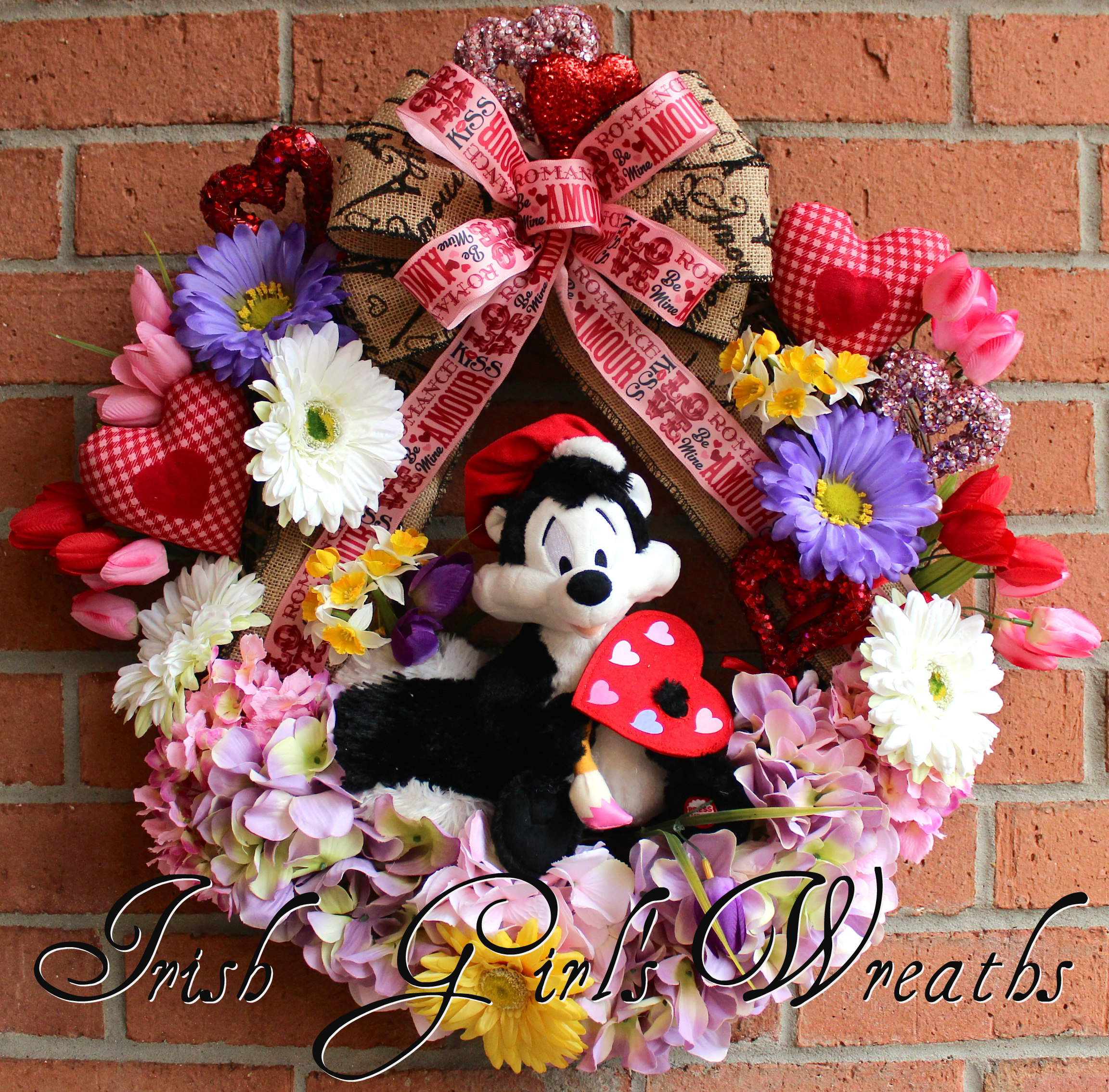 Talking Pepe Le Pew Artiste of Love Valentines Wreath