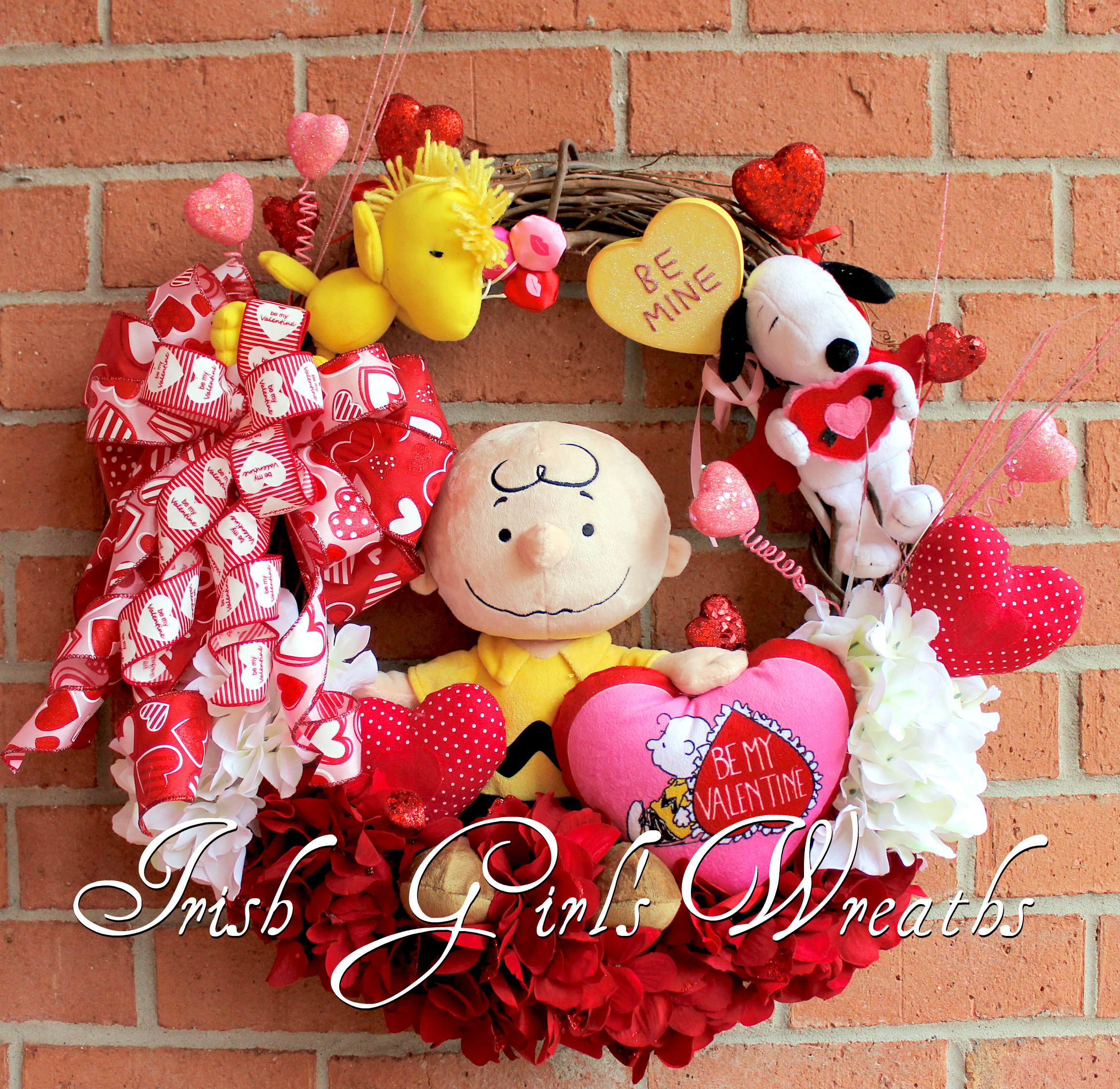 Charlie Brown, Snoopy and Woodstock Be My Valentine Wreath