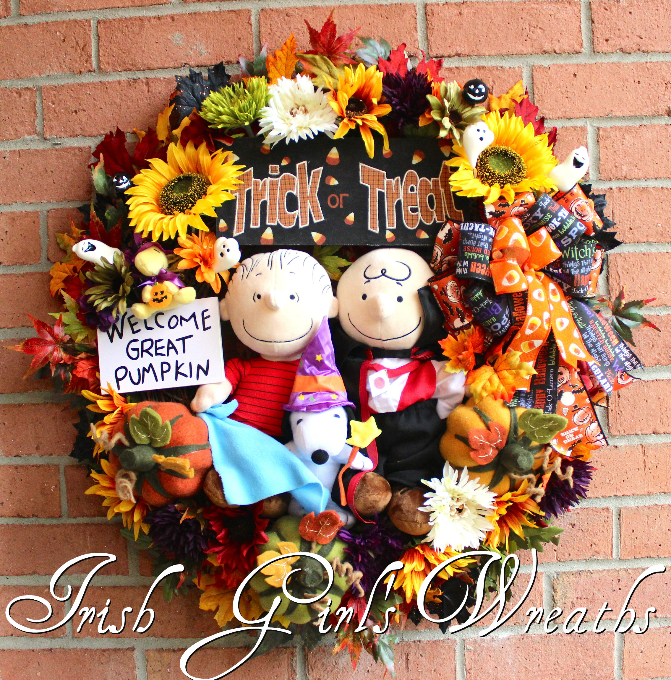 XL Deluxe Great Pumpkin Wreath, Trick Treat Halloween Wreath, Charlie Brown Vampire, Linus, Snoopy, Woodstock, Peanuts Gang Wreath- Only 1
